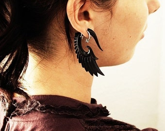 Fake Gauges, Fake Plugs, Handmade Horn Earrings, Tribal Style - Nava Wings Horn