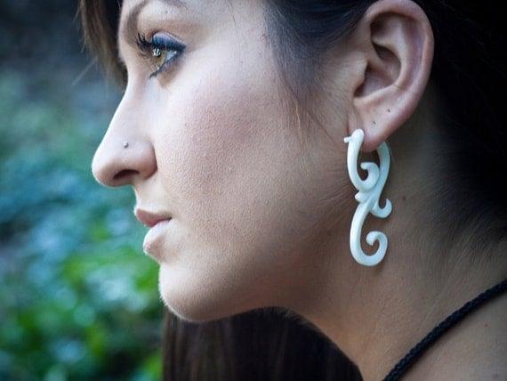 Bone Earrings - Ma'ayan Curls