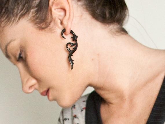 Fake Gauges, Handmade, Horn Earrings, Cheaters, Organic, Plugs, Split, Tribal Style -  Floral Vine Horn