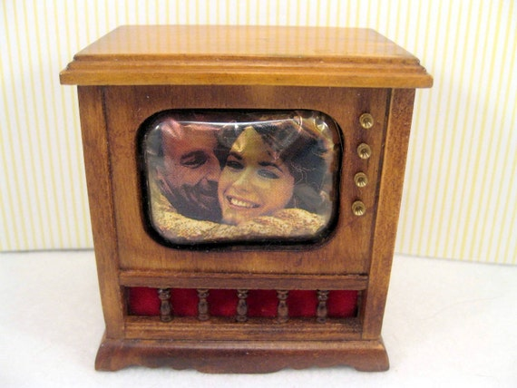 Dollhouse Television TV  Miniature Furniture
