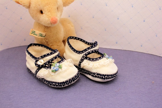 Vintage Baby Soft Shoes Polka Dot Lace Newborn