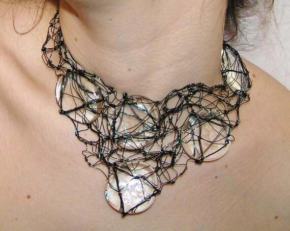 Organic Wire Collar