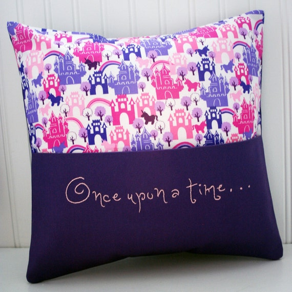 Reading pillow with book pocket and hand embroidery in castles