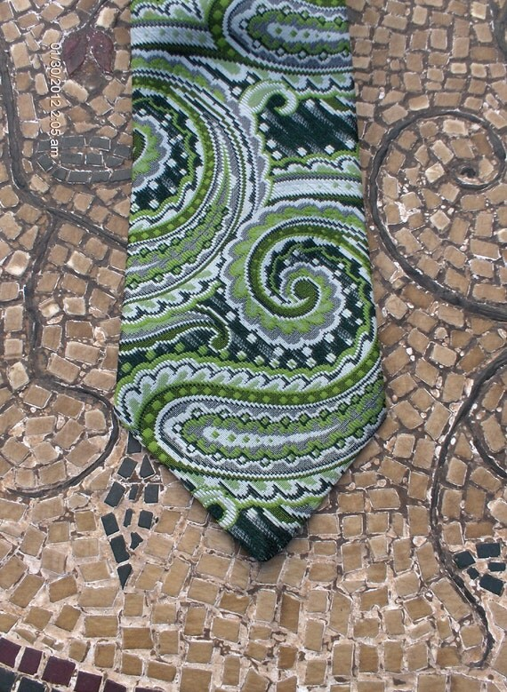 Vintage Green & Gray Paisley Necktie - Oscar Gross -Made in  Meriden, Conn.