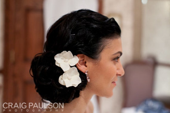 BP.S1-CW - Cream White Velvet Hydrangea Hair Pins with Pearl and Rhinestone Center - Set of 3 - Bridal.Bridesmaid.Hairpiece