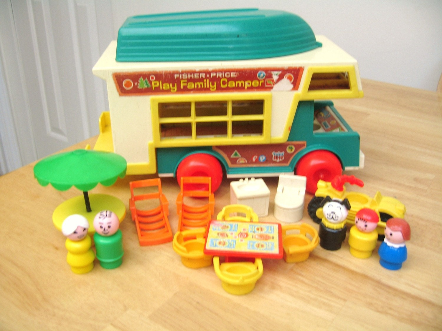 vintage fisher price camper. Black Bedroom Furniture Sets. Home Design Ideas
