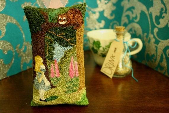 Alice in Wonderland - Cheshire Cat Punch Needle Sachet - Christmas Ornament