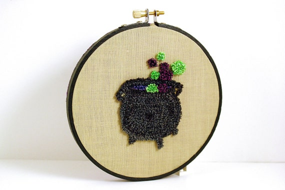 Cauldron Punch Needle Embroidery Hoop Art. Halloween Home Decor. Sparkly Poison Green, Purple, Black. Bubbles, Witch. Autumn, Fall Decor