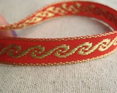 jacquard woven WAVE ribbon in RED and GOLD