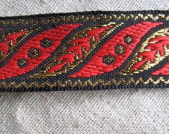 Whitman leaves jacquard ribbon in RED and GOLD