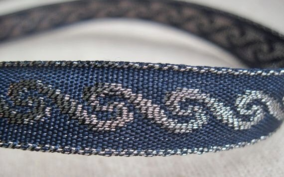 jacquard woven WAVE ribbon in NAVY  and antique SILVER