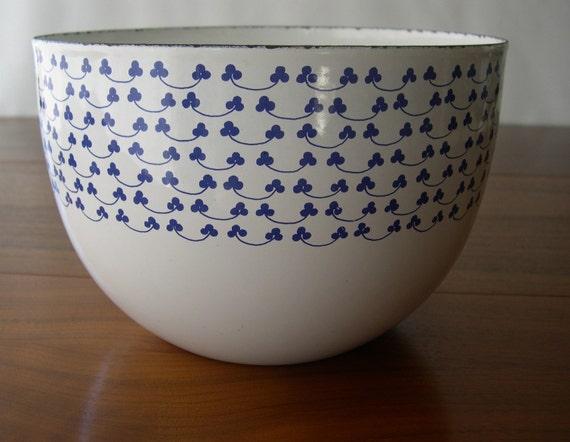 Enamel Bowl Clover