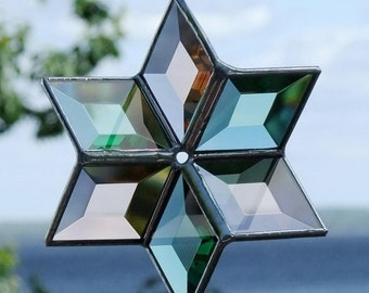 3D Green and Peach Champagne Beveled Glass Star Sculpture Indoor Outdoor Garden Art Suncatcher