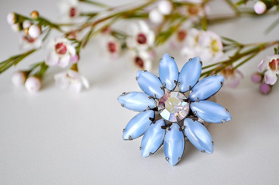 Vintage Blue Moonstone Daisy Brooch