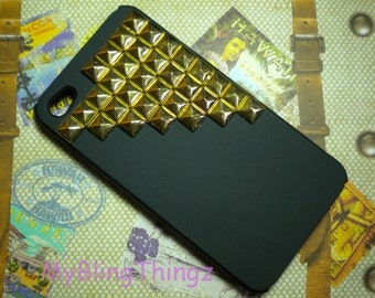 Gold Metal Pyramid Studs on Black Back Case Cover for Apple iPhone 4 4G 4S AT&T Verizon Sprint