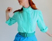 Sale - 1970s Blouse. Mint Green. Mad Men Fashion. Office Fashion. Summer. Fall Fashion. Pastel Fashion. Size Large