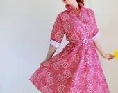 Red Floral Shirtdress. Mad Men Fashion. Day Dress. Office. Summer Dress. Garden Party Dress. Cotton Dress. Weddings. Size Large