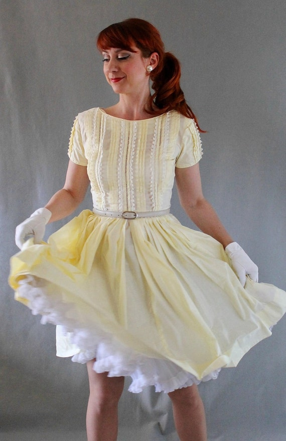 Sale 1950s Dress Pale Yellow Pastel Fashion Lace Fashion