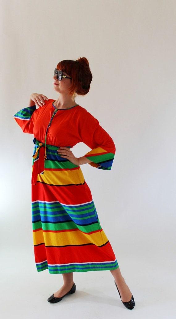 Sale - 1970s Rainbow Maxi Dress. Color Block. Maxi. Rainbow Print. Resort. Spring Fashion. Summer Fashion. Size Large