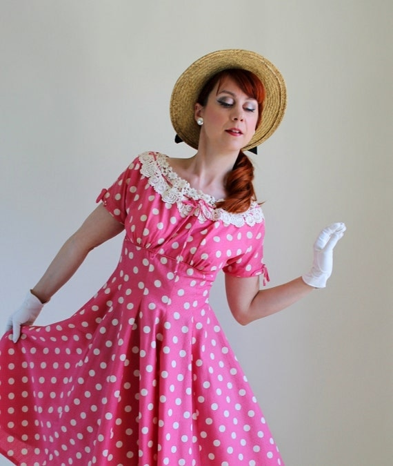 1950s Dress. 50s Dress. Pink. Polka Dots. Day Dress. Lace. Mad Men. Weddings. Garden Party Dress. Size Medium