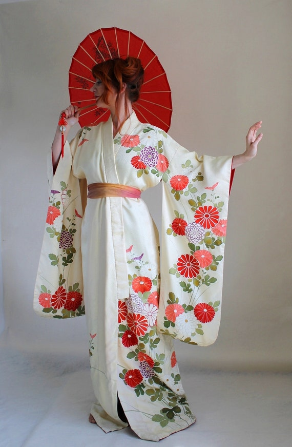 1950s Floral Asian Kimono. Cream Purple Red. Ombre. Robe. Weddings. Romantic. Pinup. Summer Fashion. Size Large