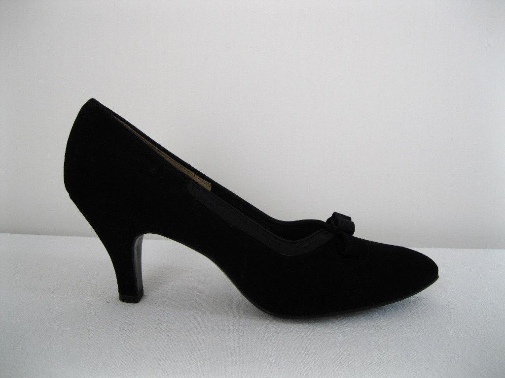 1950s heels audrey hepburn breakfast at tiffanys shoes