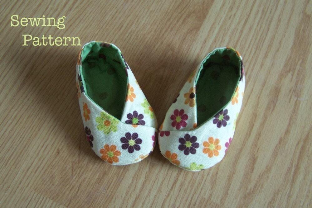 Baby Kawaii Kimono Shoes PDF Pattern /Reversible/ strap