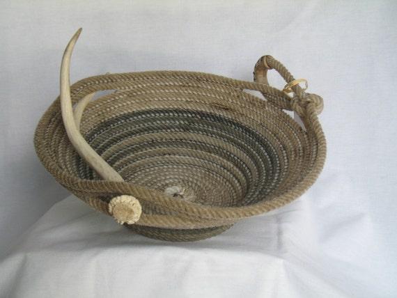 Handmade Rope Basket : Upcycled handmade lasso rope basket with deer antler