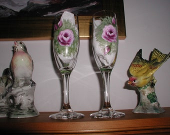 Set of 2 Hand painted Champagne Glasses With Roses, Wedding Decoration, Anniversary Gift, Home And Living, Cottage Home Decor