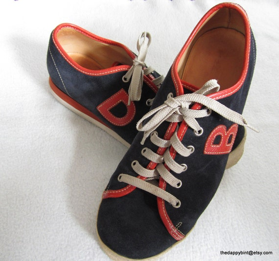Dooney and Bourke Suede Sneakers -US Men 10 Euro 42.5 US Women 11-12 - Killer Clean Condition - On Sale