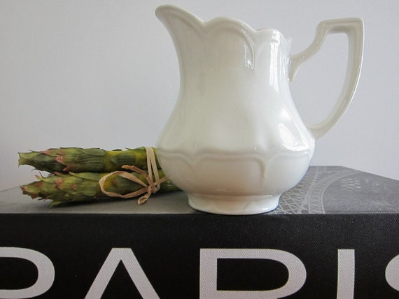 J.G. Meakin Creamer Pitcher Heirloom Royal Staffordshire England Mother's Day