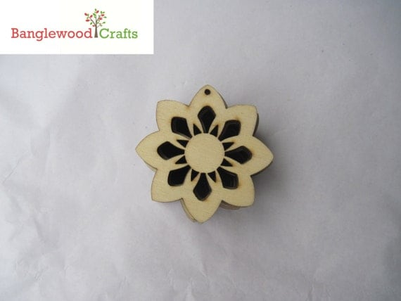 Unfinished Wood Flower Shapes/beads Pack of 12