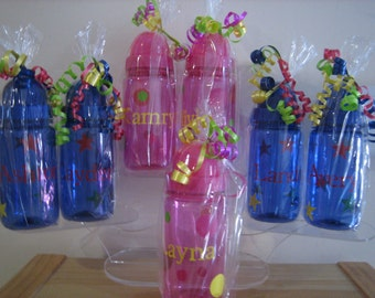 Personalized Polka Dots Kids Water Bottle- Party Favor, birthdays, communions , christenings- Gift wrapped .