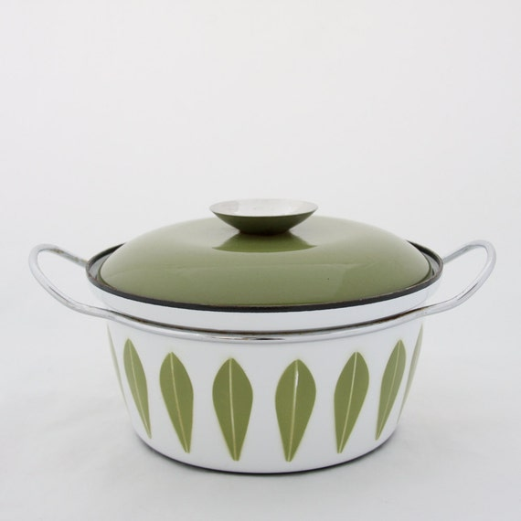 Cathrineholm avocado green LOTUS 4 Qt casserole Dutch Oven enamel pot w lid