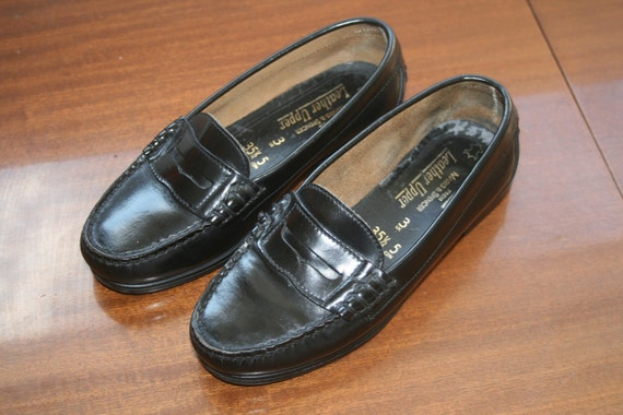 sale // vintage black classic  leather loafers - UK 3, EU 36, US 5.5