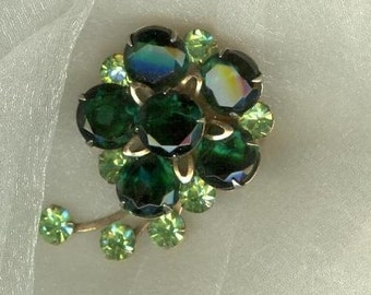 GREEN RHINESTONE BROOCH,  Flower Design,  Unsigned,  Vintage Costume, Fashion Jewelry
