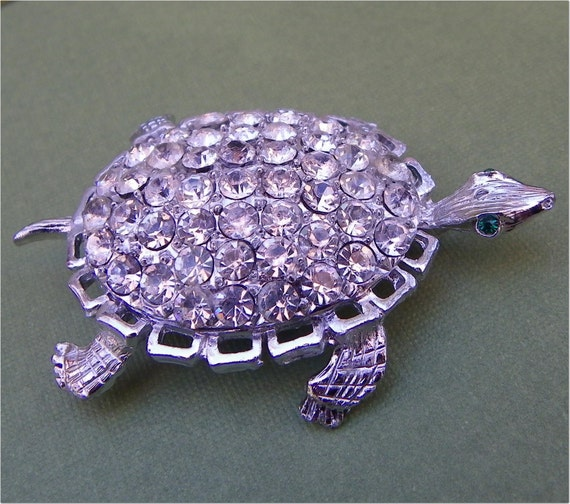 RHINESTONE TURTLE PIN,  Silvertone Critter, Upcycle, Reuse, Altered Art Supply, Vintage Costume Jewelry