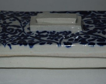 Blue Pattern Porcelain Box and Lid