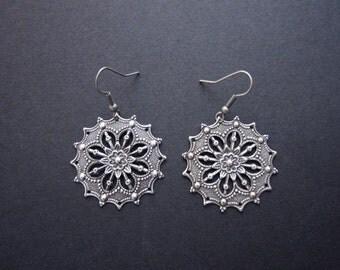 Star flower stamped earrings