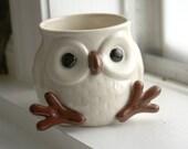 Snow Owl Mug with feet and face SO CUTE