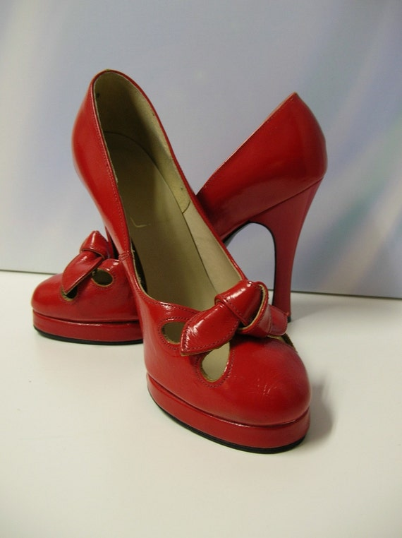 """Vintage  4 """" Cherry Red Heel Shoes Heels Womans Pin Up Mad Men Lipstick BOW front peep toe like cut outs high  Mid century modern MOD Cocktail Party dress shoe Evening gown dance ballroom 1960s 60s 1960 1970s 70s  mod retro sexy Babydoll Dolly"""
