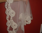 New - off white  -- lace church mantilla veil scarf - floral- scalloped- very pretty -