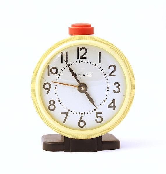 Vintage mechanical alarm clock Vitjaz from Russia Soviet Union white alarm clock