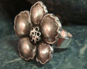 Button Ring - Silver Flower