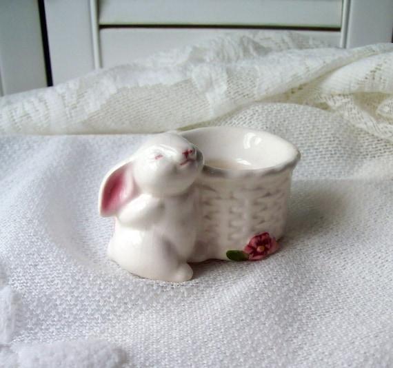 Avon Bunny Figurine Candle Holder Vintage Easter  Bunny Lovers ECS