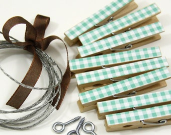 Clothesline Kit. Teal Turquoise Clothespins and Hanging Wire
