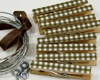 Clothesline Kit. Brown Gingham Clothespins and Hanging Wire