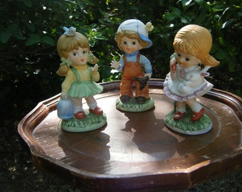 Porcelain Homeco Figurines - Outdoorsy Boy/Girls