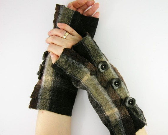 arm warmers fingerless mittens fingerless gloves arm cuffs recycled wool coffee brown plaid eco friendly unisex men tagt team teamt