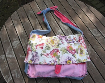 13 Pockets for Good Luck Pinktastic Floral Messenger Tote